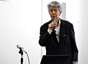 TFSP・WIA東京実行委員会の代表として、挨拶をする菅原文太さん