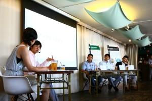 2015年4月に開設する龍谷大学農学部に就任予定の教授陣と西辻代表(写真左から2番目)