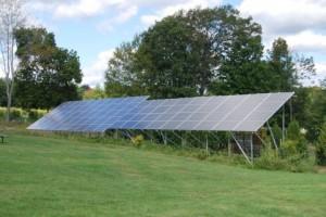 太陽光発電を中心に、自然エネルギーの導入が増えている