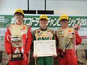 レースドライバーとして出場した教習所のインストラクターたち
