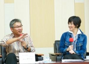 「日本では僕はややこしいダメなやつ」と会場の笑いをさそった清水教授(左)