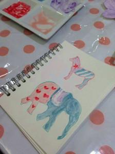 ワークショップで作られた作品のひとつ。筆で簡単に扱えるので絵を描くこともできる