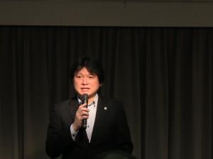 WWFジャパン気候変動・エネルギーグループの池原庸介氏。WWFジャパンは呼びかけ団体としては未加盟だが、「自然エネルギー推進の気持ちは同じ」として活動発表をした