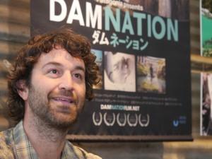 映画『ダムネーション』は11月21日より渋谷アップリンクほかで上映中だ