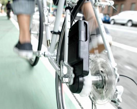 「アトム(ATOM)」。自転車のパワーをモバイル電源として使える。国内販売価格は税込22300円