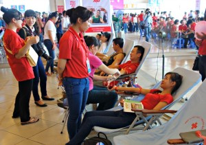 ベトナムで開催した献血イベント。1万人が来場した