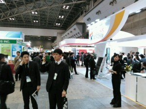 「PV EXPO」会場=26日、都内で