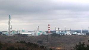 六ヶ所再処理工場(Wikimedia Commons.)