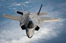 日本企業も製造に参画するF-35戦闘機(ウィキペディアから引用)