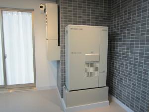 小型化によって、マンションの共用廊下やバルコニーにも設置できるようになった