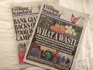 英国のスーパーが食事可能な食品を毎年11.5万トン廃棄することを報じるイブニング・スタンダード紙