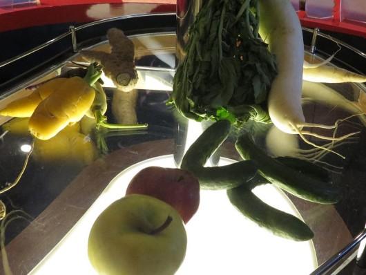形が悪いという理由で「規格外」とし廃棄される野菜