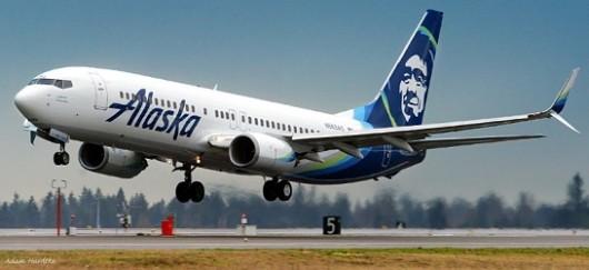 木製バイオマス燃料を使用することで、通常より70%の排出量を削減できたという(C)Alaska Airlines