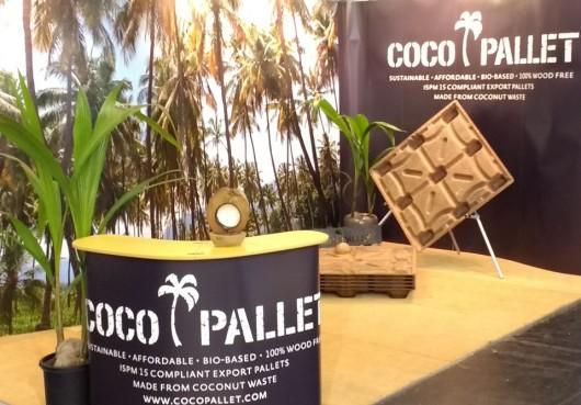 ココナッツの殻でできた輸送用パレット(C)CocoPallet