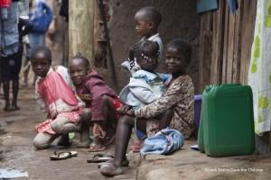 サハラ砂漠以南アフリカの子どもたちが「極度の貧困生活」を強いられる