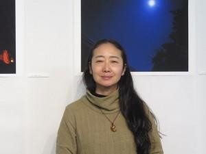 写真家の稲田美織さん(1月13日、都内のギャラリーで)