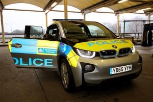 ロンドン警視庁が昨年1月から試験運転を始めたBMWの電気パトカー